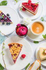 Sommerliche Kuchen mit frischen Beeren