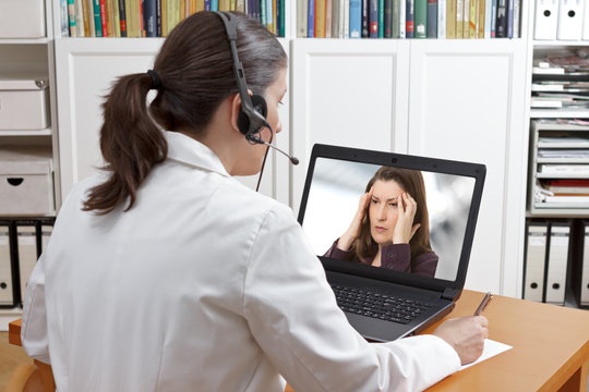 doctor online call patient headache