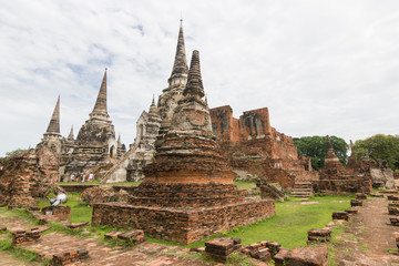 The three Chedis of Wat Phra Si Sanphet Ayutthaya, Historical Park  has been considered a World Heritage Site on December 13th 2534 in the historic city of Ayutthaya. is a tourist destination.