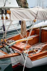 Detail eines Bootes, Segelboot