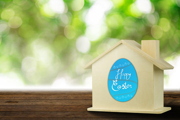 April 1 falls on Easter Day of 2018, the holiday of Christianity. To remember the resurrection of Jesus Christ And also on April Fool's Day.