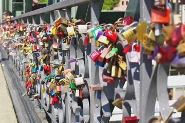 Hochzeitsschloss auf Brücke