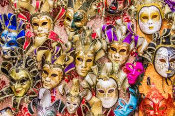 Венецианских маски