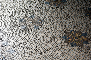 the floor of the Catedral Metropolitana de Buenos Aires is covered with Venetian-style mosaics designed by the Italian Carlo Morra