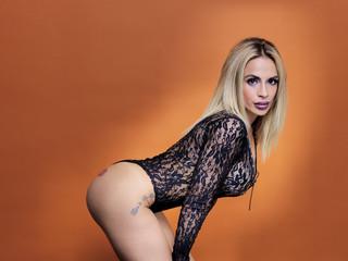 Sexy mujer joven en body