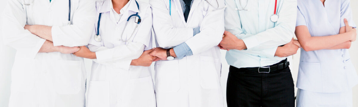 Doctors and nurses coordinate Concept of Teamwork