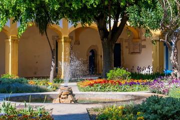 アルル市民病院の中庭