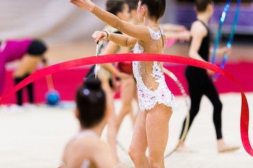 Autocollant pour porte Gymnastique Rhythmic gymnastics competition - blurred