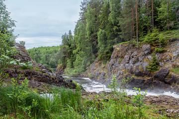 Водопад Кивач в Карелии. Россия.