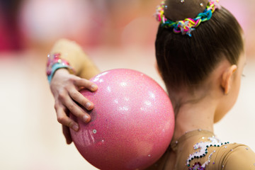 Photo sur Plexiglas Gymnastique Rhythmic gymnastics competition - blurred
