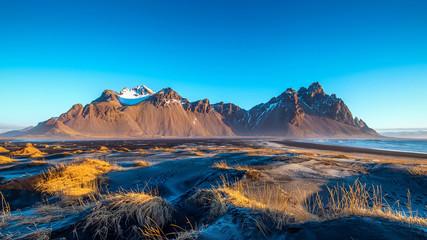 Poster Bleu nuit Vestrahorn mountains in Stokksnes, Iceland.