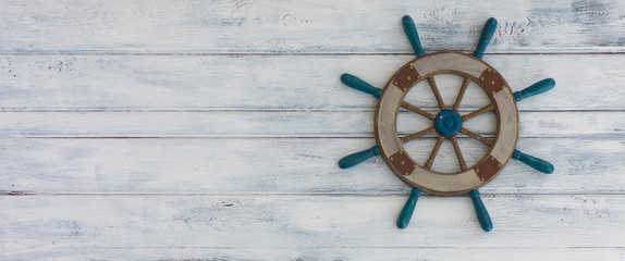 Türaufkleber Schiff ship's steering wheel