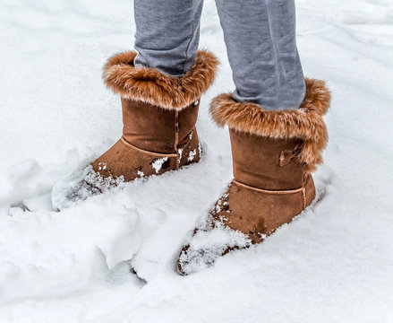 Women's shoes in the snow