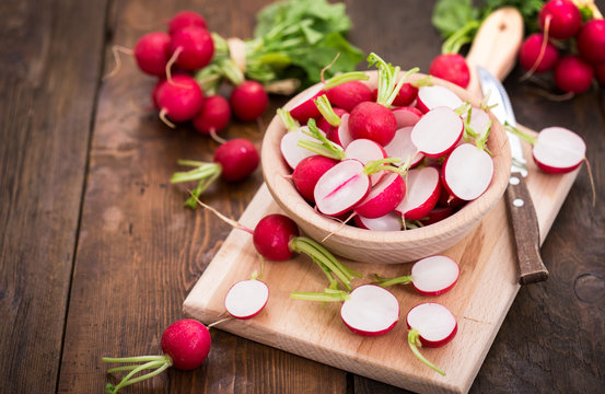 Fresh organic radishes
