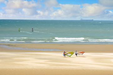 windsurfeurs en action