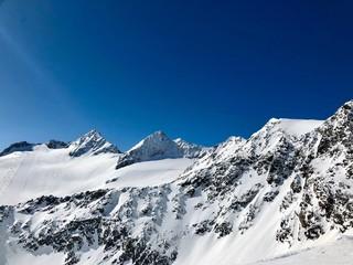 Skiing in the Stubai glacier ski resort