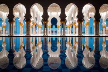 Papiers peints Abou Dabi Amazing night reflection at Mosque, Abu Dhabi, United Arab Emirates