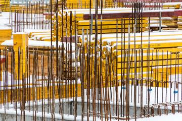 Stahlbewehrung auf einer Baustelle