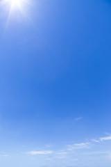 晴天の広い青空