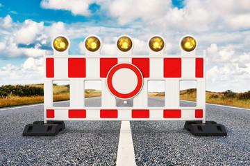 Durchfahrt verboten, Straßensperrung mit Verbotsschild auf Straße