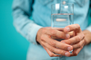 Fotoväggar - A glass of water