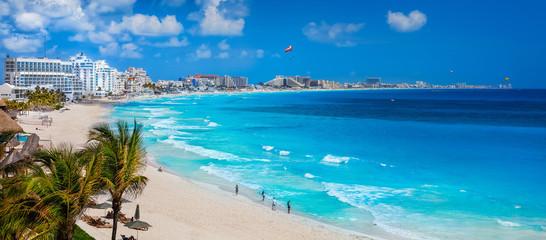 Wall Mural - Cancun showing blue waters