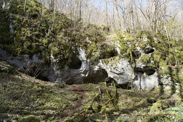 Höhlen im Wolfstal
