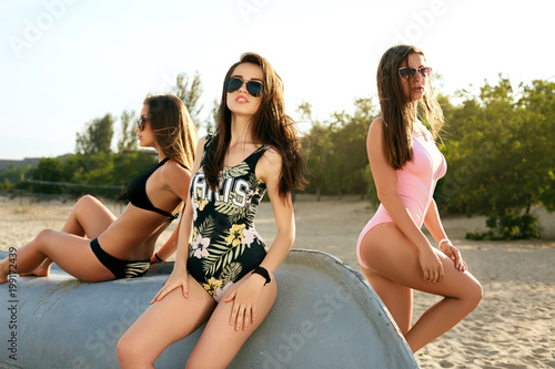 young-teen-sunbathing-daughter-caught-mom-with-dildo