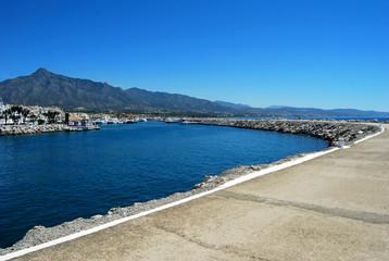 Puerto Banús, Marbella, Málaga. Dique