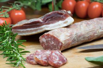 Salame e pancetta di maiale