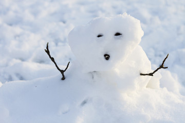 a poorly made snowman