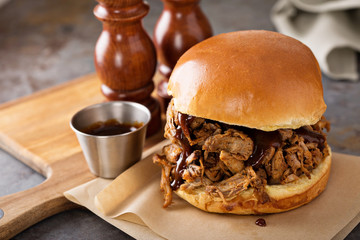Foto op Canvas Snack Pulled pork sandwich with bbq sauce