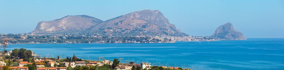 La pose en embrasure Palerme Capo Zafferano, Palermo, Sicily, Italy