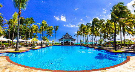Fototapete - Relaxing tropical holidays  in Mauritius island