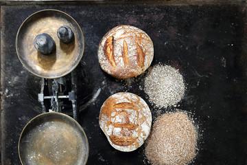 Fototapeta Chleb. Domowa kuchnia.Pieczenie chleba. obraz