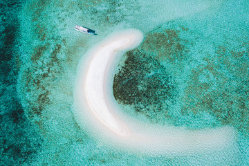 In de dag Eiland Aerial view of Taka Makassar island in Komodo national park, Indonesia. Empty paradise small white sand island