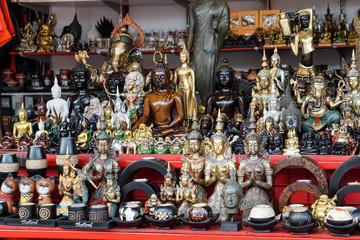 Khao Lak Markt Buddhas - in Bang Niang