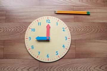 時計の文字盤 鉛筆