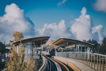 sky train station in vancouver Fotomurales