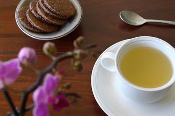 Tea Chocolate oat cookies Orchids