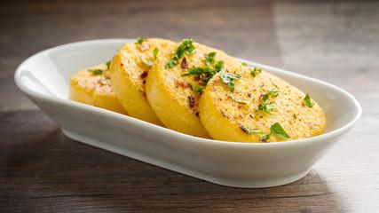 Gebratene Polenta - fried polenta