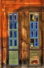 MYSTERY WINDOWS