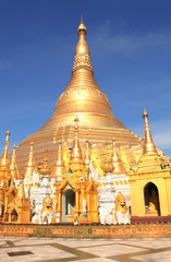 Biggest golden stupa in Shwedagon Zedi Daw, Yangon, Myanmar