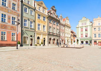 Wall Mural - facades of medieval houses on the central market square in Poznan, Poland