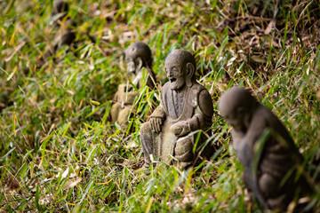 里山の羅漢像