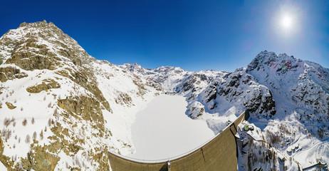 Valmalenco - Valtellina (IT) - Vista aerea panoramica invernale della Diga di Alpe Gera