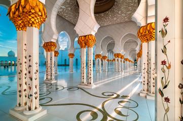Canvas Prints Abu Dhabi Sunset view at Sheikh Zayed Grand Mosque, Abu Dhabi, United Arab Emirates