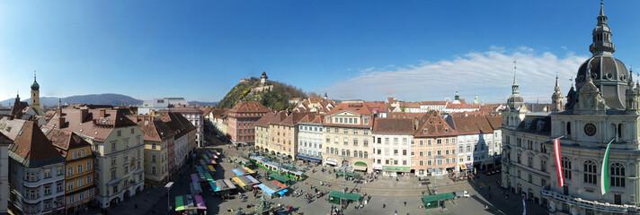 Panoramaluftaufnahme der steirischen Landeshauptstadt Graz, Steiermark, Österreich