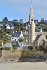 L'église de Saint-Michel-en-Grève en Bretagne