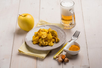 chicken with tumeric apple sauce and beer